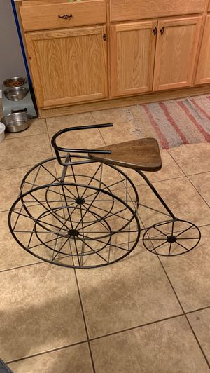 Bicycle plant stand decor. for Sale in Encino, NM