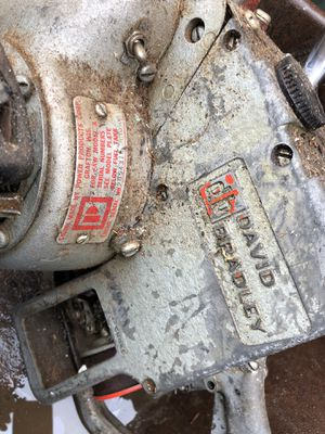 David Bradley chainsaw - Power Products - Vintage for Sale in Palatine, IL