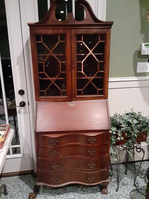 Antique writing desk. for Sale in Loganville, GA