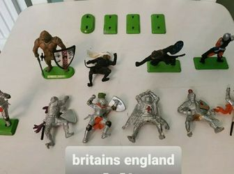 Lot B Vintage Britains Deetail Warriors 10 Figures 4 Separate Green Metal Stands for Sale in Falls Church,  VA