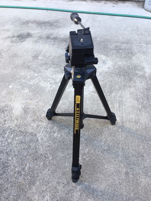 Tripod Hollywood -Adjusts to 3 heights- model PAT w/ fluid head for Sale in Oakley, CA