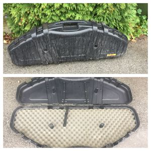Hard shell bow case. Used in good condition for Sale in Middleport, NY