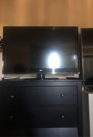 40 inch LG TV for Sale in Los Angeles, CA