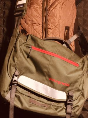 Patagonia messenger bag for Sale in Lebanon, OH