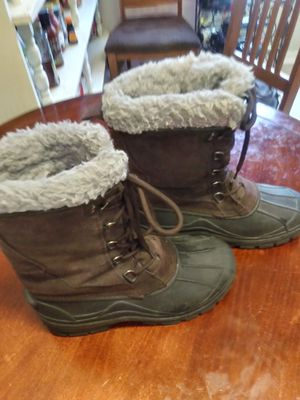 LL Bean Women's size 9 leather and faux fur lining winter boots for Sale in Zephyrhills, FL