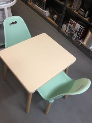 Kids table and 2 chairs. It's new already assembled. for Sale in Los Angeles, CA