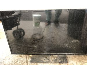 Free NOT WORKING TV for Sale in The Bronx, NY