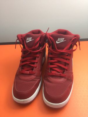 NIKE (Like new only used once) 12 M (Downtown Miami) for Sale in Miami, FL