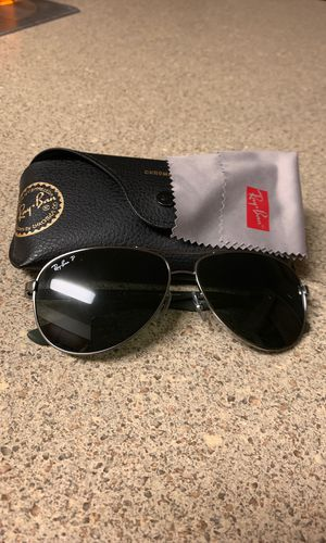 Ray-Ban Chromance Sunglasses (Like New)(Carbon Fiber)(RB8313 004/N5) for Sale in Portland, OR