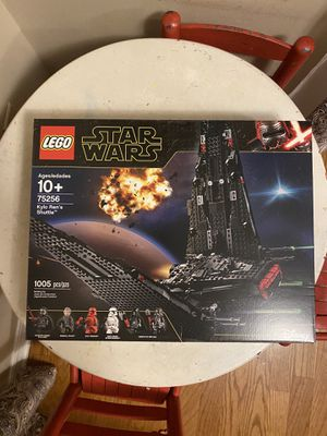 LEGO Star Wars Kylo Ren's Shuttle (75256) New in Sealed Box for Sale in Tampa, FL