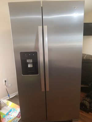Whirlpool refrigerator/freezer for Sale in Lake Wales, FL