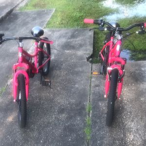 Two 6 Speed Crossfire Bikes Both Bike For One Price for Sale in Baton Rouge, LA