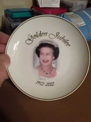 Queen Ceramic limited edition plate. for Sale in Benton, AR