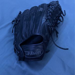 A1k Wilson Glove for Sale in Wildomar, CA