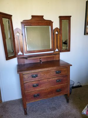 Antique dresser with mirror for Sale in El Cajon, CA
