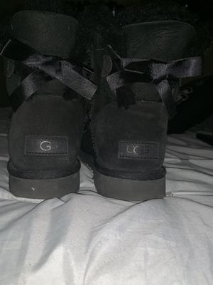 UGGS mini bailey bow for Sale in Tampa, FL
