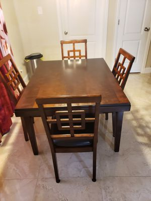 Breakfast table and chairs for Sale in Buda, TX