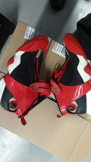 Used reebok AI 10 size 10.5 for Sale in Bronx, NY