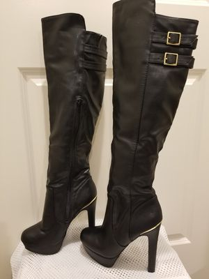 Thigh high 7.5 m Boots for Sale in Lithonia, GA
