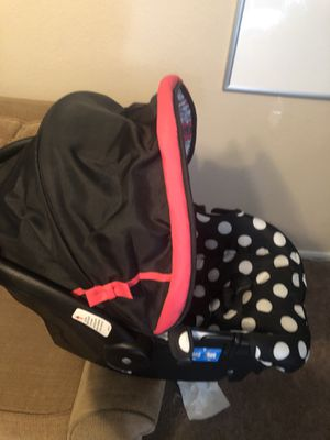 Mini mouse baby car seat for Sale in Las Vegas, NV