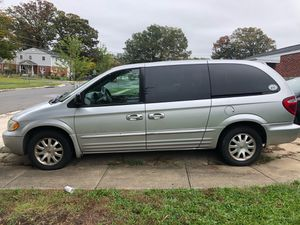 2001 Chrysler Town & Country LXi for Sale in Cheverly, MD