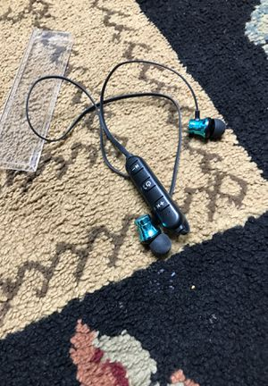 Wirless bluetooth headphones for Sale in Dearborn, MI