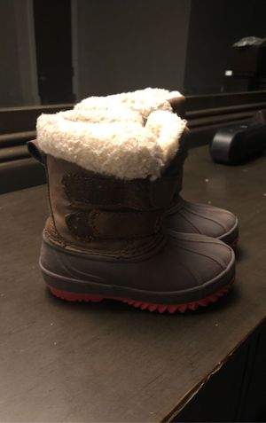 Toddler snow boots size 5 only wore them once for Sale in Palatine, IL