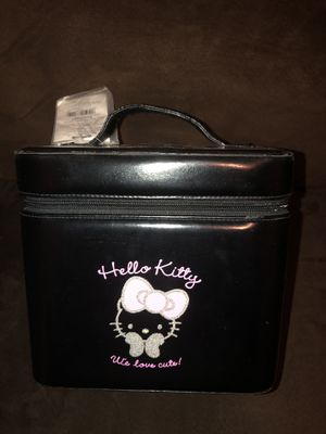 Hello kitty makeup bag for Sale in Laveen Village, AZ