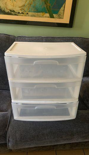 Sterilite 3 Drawer Plastic Drawer for Sale in Hawthorne, CA