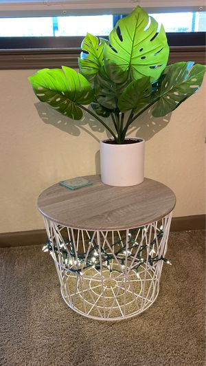 White/tan wire table for Sale in N REDNGTN BCH, FL