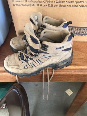 Size 8 Womens Hiking Boots for Sale in Clearwater, KS