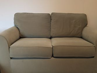 Loveseat for Sale in Milwaukie,  OR
