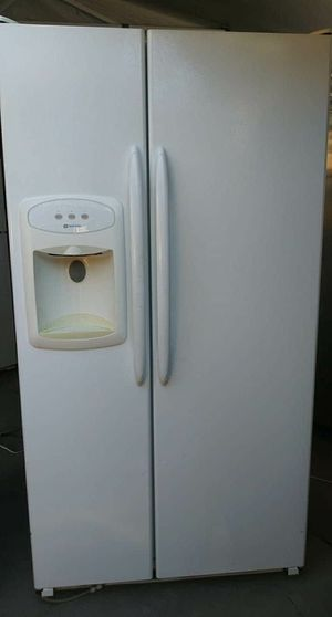 Refrigerador for Sale in Fresno, CA