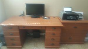 Desk and file cabinet for Sale in Hesperia, CA