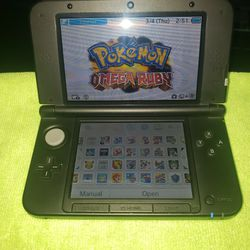 3DS Xl / 100 Games for Sale in Tampa,  FL