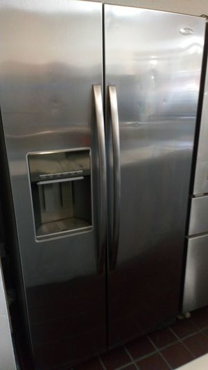 Refrigerador $$ 300 with 90 days warranty at 1121 basse rd san antonio texas 78212 open 9 am a 9 pm de Lunes a domingo for Sale in San Antonio, TX