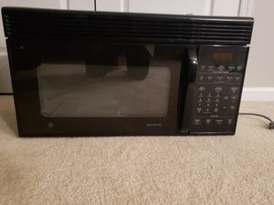 "GE SpacemakerXL over the range microwave. (Height 16"" x Length 30"" x Depth 14"") for Sale in Ashburn, VA"