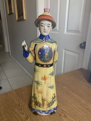"Vintage Lg Chinese 16"" Chinese Man Figurine Statue Hand Painted Dragon Outfit for Sale in Phoenix, AZ"