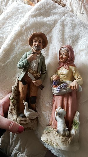 OLD MAN AND OLD WOMAN FIGURINES VINTAGE for Sale in Bowling Green, MO