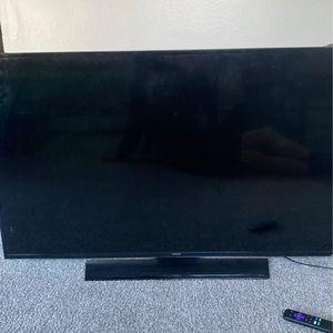 55 Inch Flat Screen Broken for Sale in Burlington, NJ
