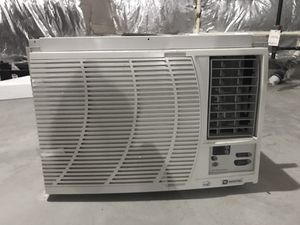 Maytag Air conditioner 14,500 BTU 800 sq ft 125V for Sale in Olney, MD
