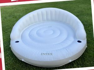 POOL COVER W/8 PILLOWS TO CLOSE POOL & MARINE FLOAT for Sale in Pataskala, OH