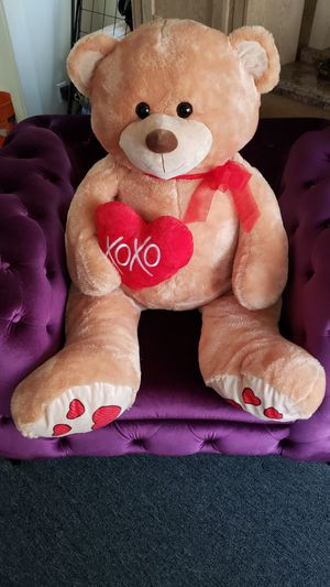 Hugfun Teddy Bear 5 Foot Bear Holding Xoxo Heart for Sale in Los Angeles, CA