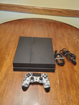 PS4 and 1 controller for Sale in Akron, OH
