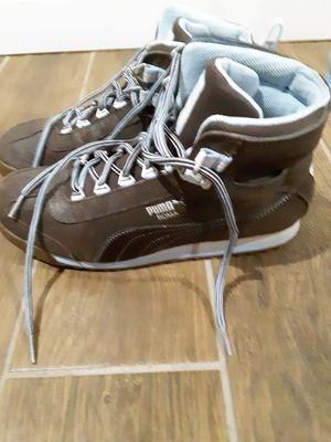 Pumas shoes womens size 10 $25 for Sale in Phoenix, AZ
