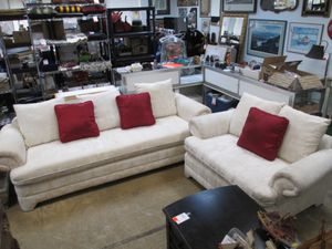 Beautiful Couch and Loveseat Set - Delivery Available for Sale in Joint Base Lewis-McChord, WA
