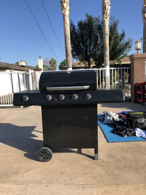 BBQ grill for Sale in Bloomington, CA