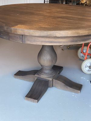 RH round dining table for Sale in Encinitas, CA