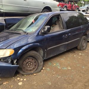 2002. PLYMOUTH VOYAGER 2.4 parts truck for Sale in Philadelphia, PA