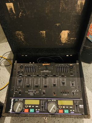Dj equipments nice set cheap for Sale in Burbank, IL
